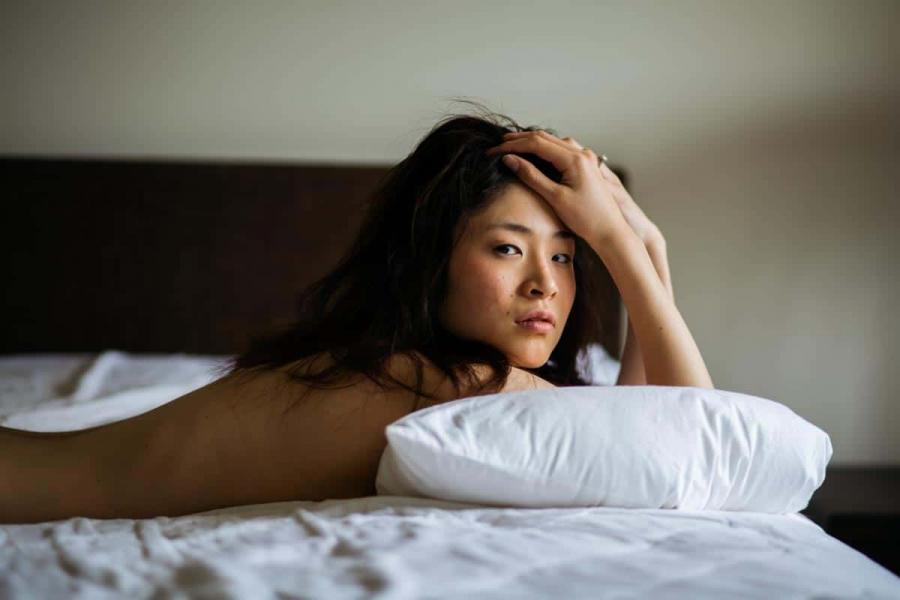 boudoir photography melbourne sensual women portraits