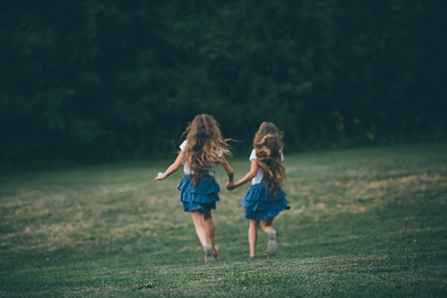 lifestyle photography melbourne twin sisters