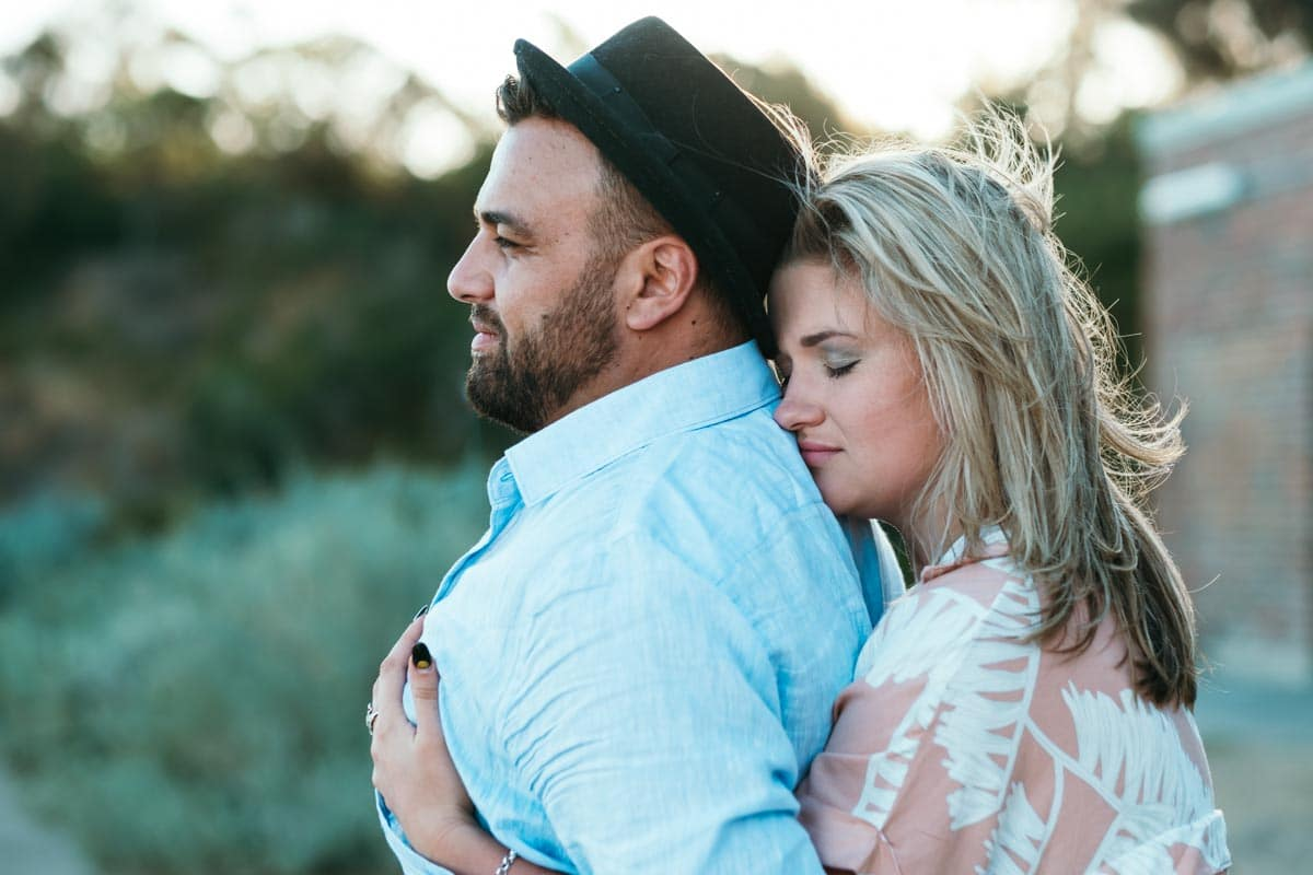 beach couples photography melbourne engaged beach engagement photography melbourne