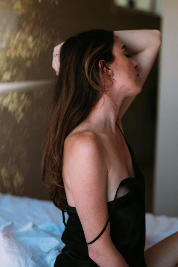 women portraits melbourne lifestyle boudoir photography melbourne in home boudoir photography bridal boudoir