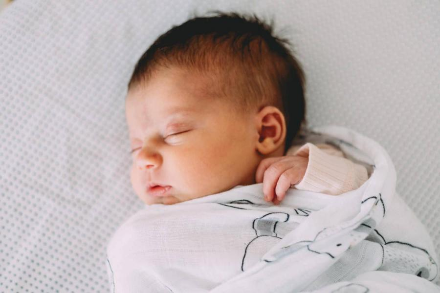 newborn photos melbourne newborn photographer melbourne newborn photography melbourne natural newborn photos natural light newborn photography lifestyle newborn photography melbourne